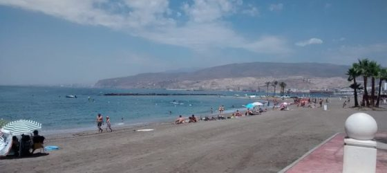 playa el Zapillo, Almería city centre