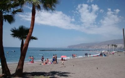 Playa Zapillo Almería beach city centre
